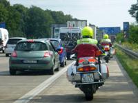 Stauhelfer auf der Standspur - im Einsatz für die Autofahrer