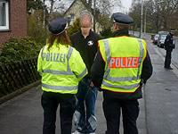 Drogentests auf dem Bürgersteig