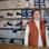 Gerta Weber ist Schuhverkäuferin mit großem Herz - bei ihr können Kinder kostenlos ihre Fußballschuhe tauschen.