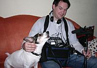 Tontechniker Sebastian Beck mit Hund