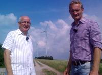 Wilhelm Sonntag und Sven Tietzer im Windpark