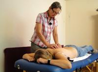 Behandlung von Anna-Lena Herzog in der Praxis
